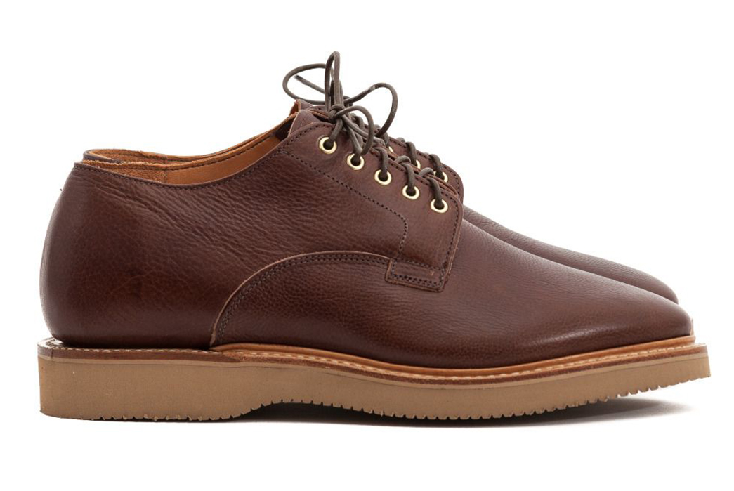 vibergs-tumbled-horsehide-derby-shoe-is-built-on-an-orthopedic-shoe-last-pair-side-2